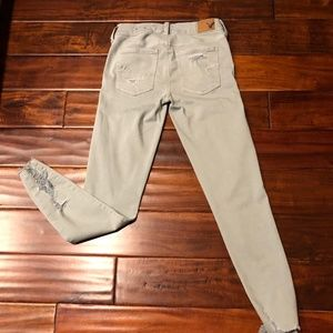 NWOT American Eagle Light Green Vintage Jeggings 4